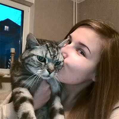 Anne et son chat Rocky